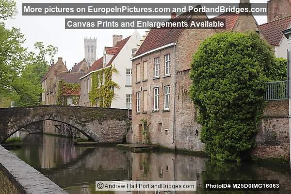Brugge Canal, Reflection